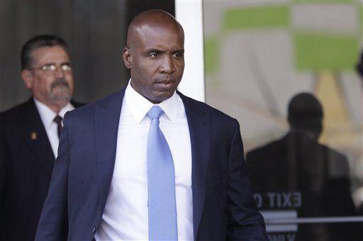 Fiscales buscan condena de 15 meses para Bonds