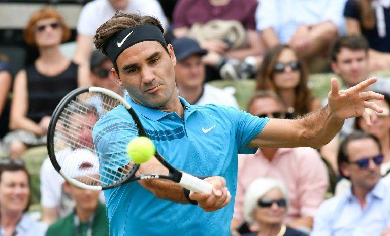 Federer, de nuevo número 1 mundial, consigue su 98º título ATP en Stuttgart
