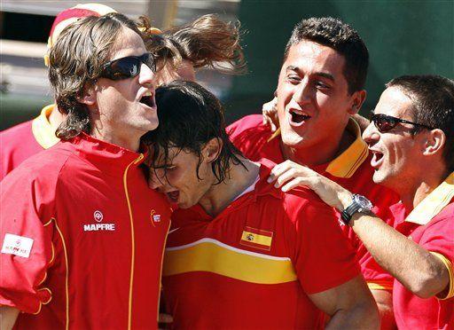 Davis: Nadal vence a Djokovic y España avanza