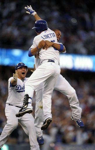 Error de Holliday acerca a Dodgers a Serie de Campeonato