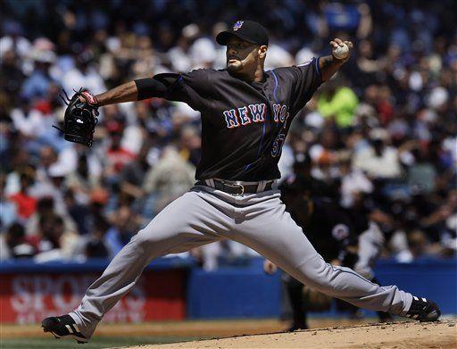 Ervin Santana tropieza con varios lanzadores de Dodgers