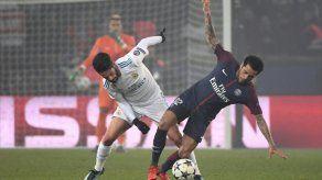 Dani Alves achaca eliminación del PSG en Champions a falta de conexión en el equipo
