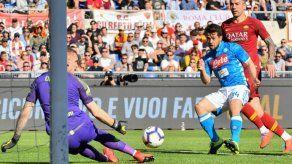 Nápoles consolida su segundo puesto tras golear a la Roma