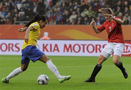 Exhibición de Marta y Brasil avanza a cuartos de final
