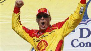 Kevin Harvick gana carrera de Copa Sprint Nascar en Alabama