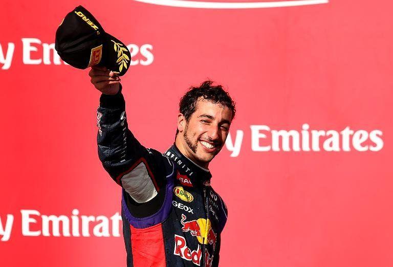 Ricciardo, mejor tiempo matinal en el segundo día de ensayos en Montmeló