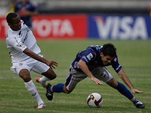 Libertadores: San Martín derrota 2-1 a Nacional y es líder