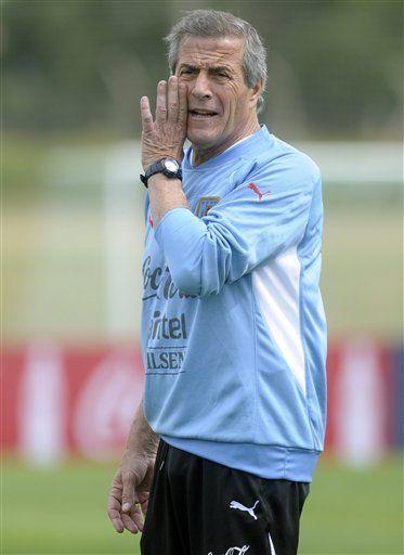 Mundial: Gastón Ramírez reemplazaría a Forlán en Uruguay