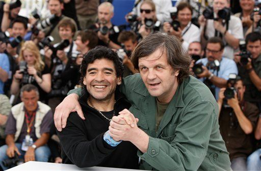 Maradona arremete contra Bush y Pelé en Cannes