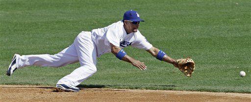 Sandoval pega tres hits y Gigantes supera 10-8 a Dodgers