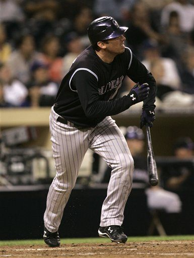 MLB: Rockies 9, Padres 4; Garrett Atkins jonronea dos veces