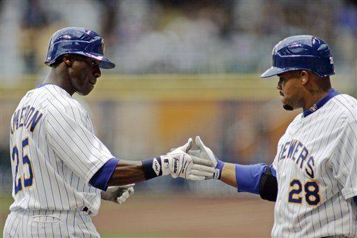MLB: Cerveceros 5, Astros 1; Braun conecta cuatro 4 hits