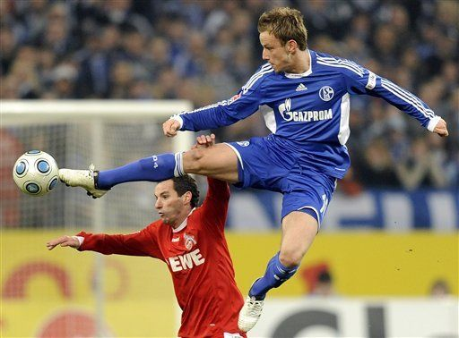 Schalke supera 1-0 al Colonia
