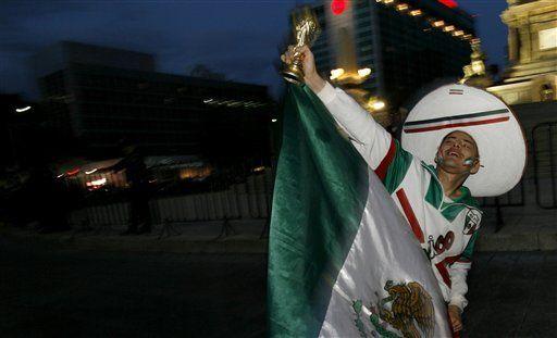 Mundial: Celebran en México su pase al Mundial