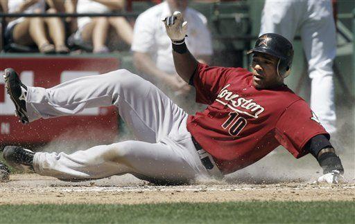 MLB: Astros 5, Rangers 4; Tejada pega 3 hits