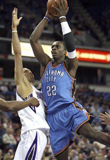 NBA: Thunder 99, Kings 98; García y Nocioni acumulan 34