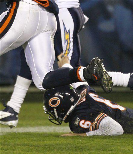 Cutler, al quirófano, pero volvería esta campaña con los Bears