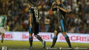 Candello y Villa encaminan triunfo de Querétaro ante Tijuana