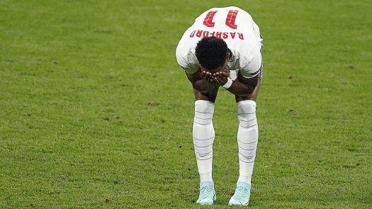 Eurocopa 2020: Tres futbolistas de Inglaterra sufren insultos racistas en línea
