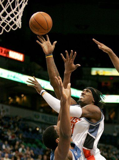 NBA: Timberwolves 108, Bobcats 100; Love mete 22 puntos