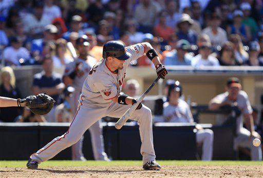 MLB: Gigantes 4, Padres 3, 11 innings; Stewart propicia triunfo