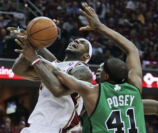 NBA: Cavaliers 74, Celtics 69; James anota 32 puntos