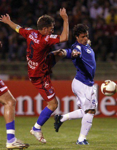 Libertadores: Cruzeiro vence 1-0 a Universitario