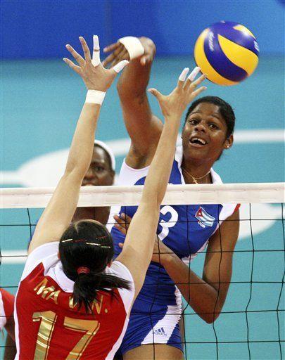 China vence Cuba y gana el bronce en vóley femenino