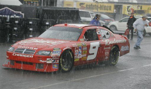 Lluvia cancela clasificación en NASCAR
