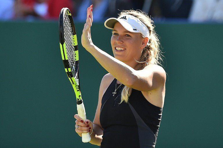Wozniacki sufre para acceder a cuartos de final en Eastbourne