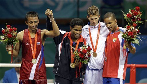 Oro histórico de Dominicana y par de reveses para Cuba
