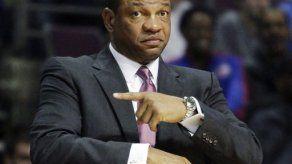 Clippers formalizan contratación de Rivers
