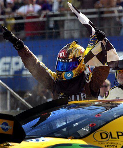 Kyle Busch gana en Watkins Glen; Montoya queda cuarto