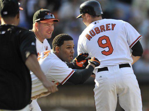 MLB: Orioles 5, Azulejos 4, 11 innings; Aubrey resuelve