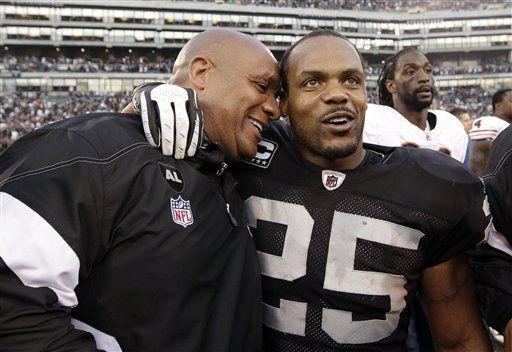 Raiders rompen maleficio con primer lugar en su división