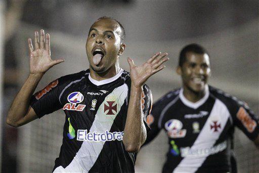 Sudamericana: Vasco golea a Universitario y avanza a semifinales