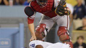 Ocho suspensiones en trifulca Dodgers-Diamondbacks