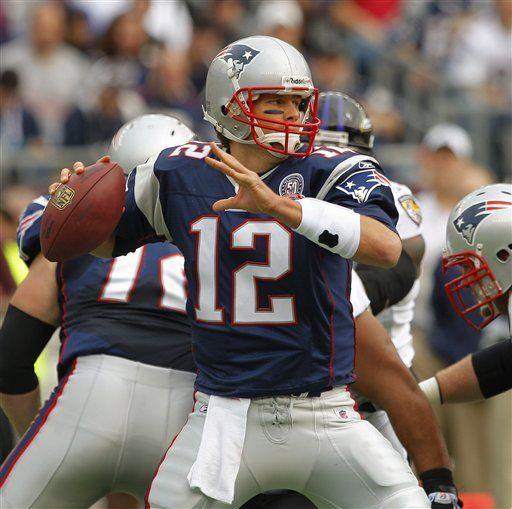 NFL: Patriots 27, Ravens 21; Brady envía pase de anotación a Moss