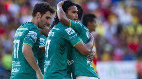 León venció 4-3 al Morelia y se mantuvo como líder del fútbol mexicano