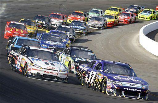 NASCAR: Kahne supera a Edwards y Stewart para ganar en Phoenix