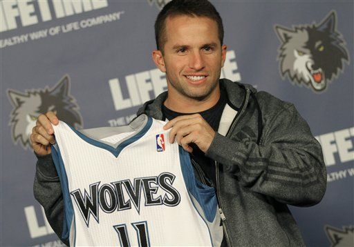 Timberwolves dan la bienvenida a Barea