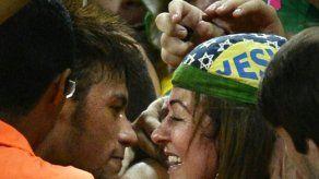 La madre de Neymar