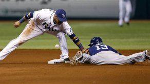 Cobb domina desde la lomita y Rays vence a Padres
