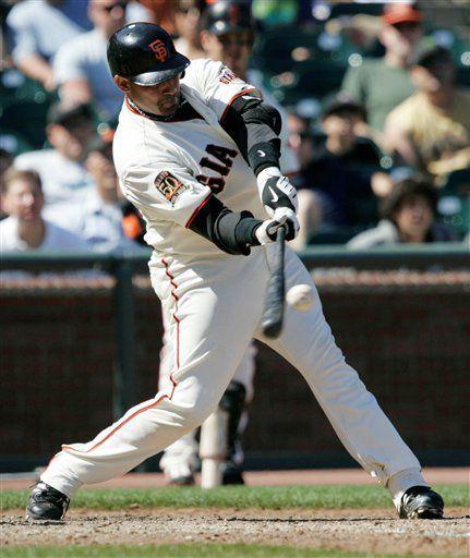 MLB: Gigantes 7, Padres 4; Molina remolca 5