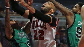 Harden impulsa a los Rockets en un triunfo sobre los Jazz