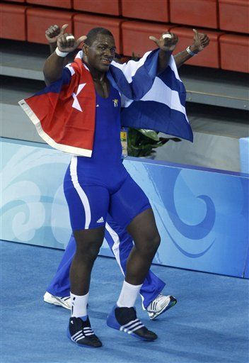Luchador le da su primer oro a Cuba en Beijing