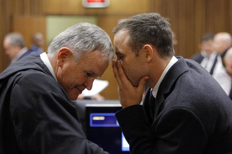 Se reanuda juicio a Pistorius, turno de la defensa