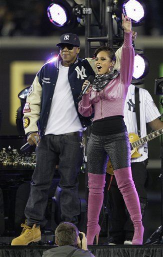 Jay-Z y Alicia Keys cantan antes de 2do juego de Serie Mundial