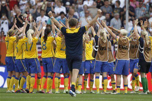 Suecia vence a Francia por el tercer puesto en mundial femenino