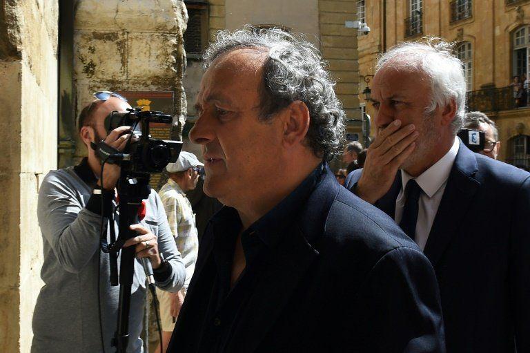 El abogado de Platini denuncia a la autoridad supervisora de la fiscalía suiza